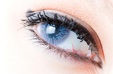 f�rgade kontaktlinser